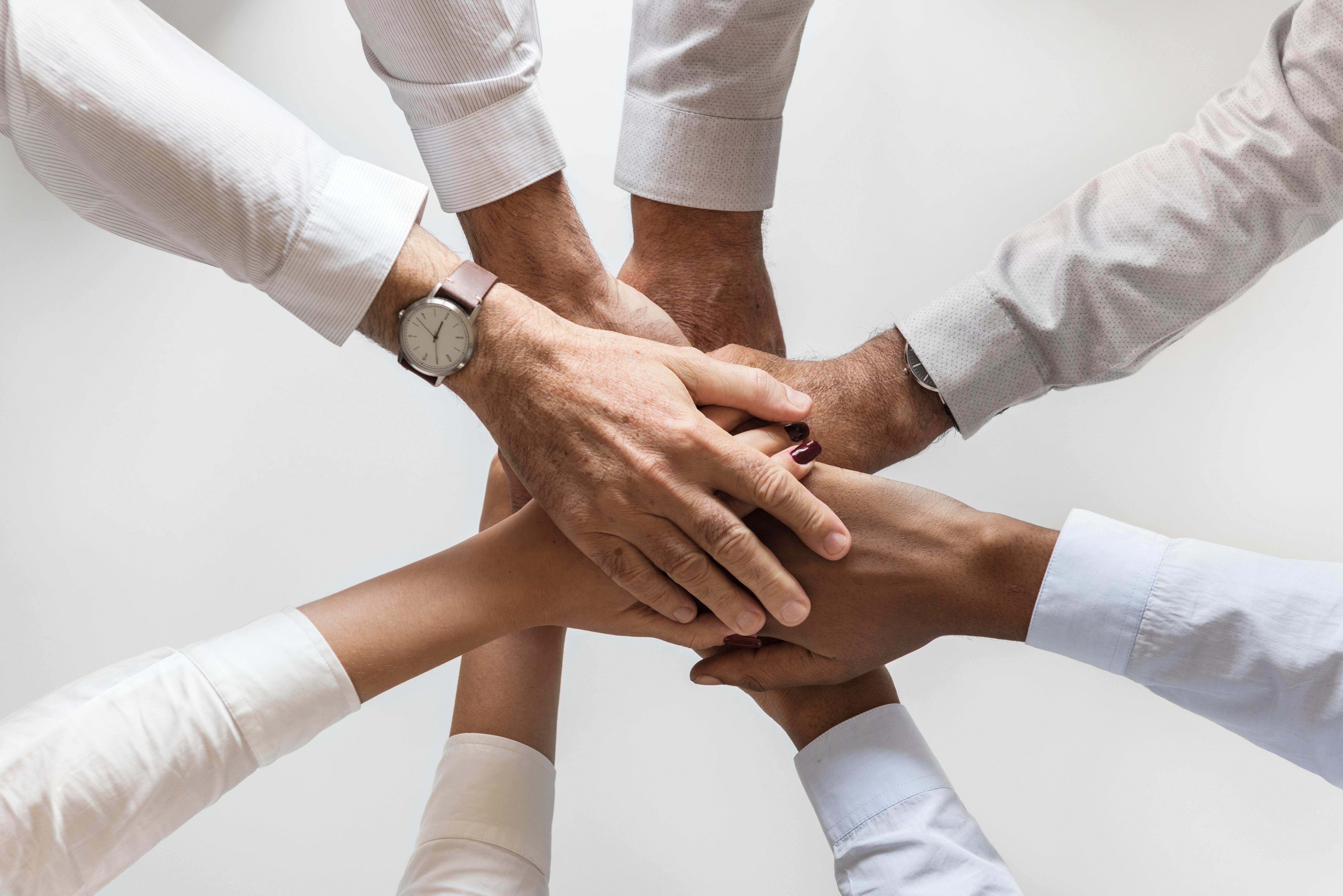 Laterale Führung in agilen und schwach hierarchisch Unternehmen, sind wichtige Führungskompetenzen für ihren beruflichen Erfolg, die Sie in dieser Weiterbildung lernen können.