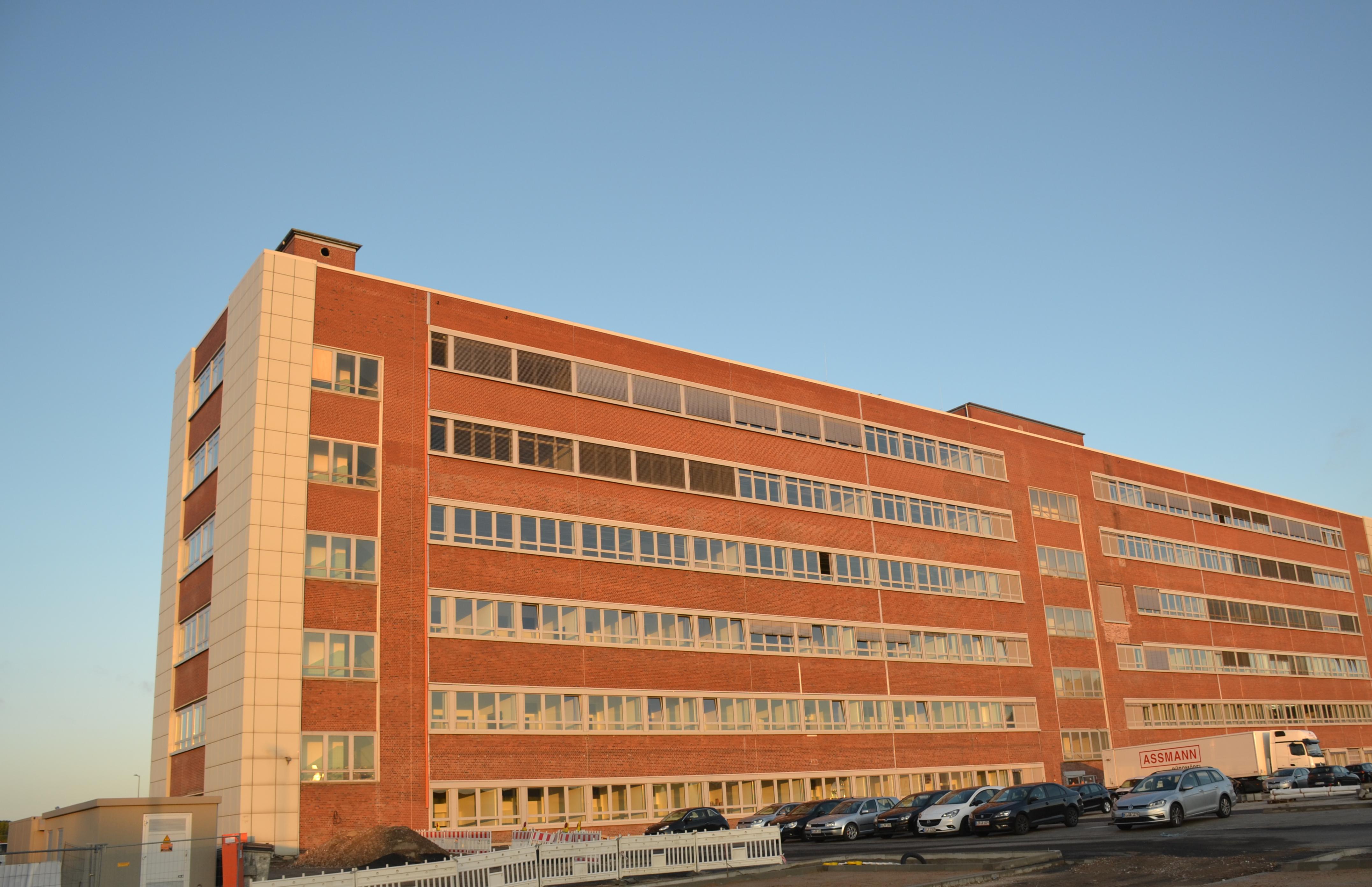 Umzug O-Werk Zertifikatskurse Weiterbildungszentrum der Ruhr Universität Bochum